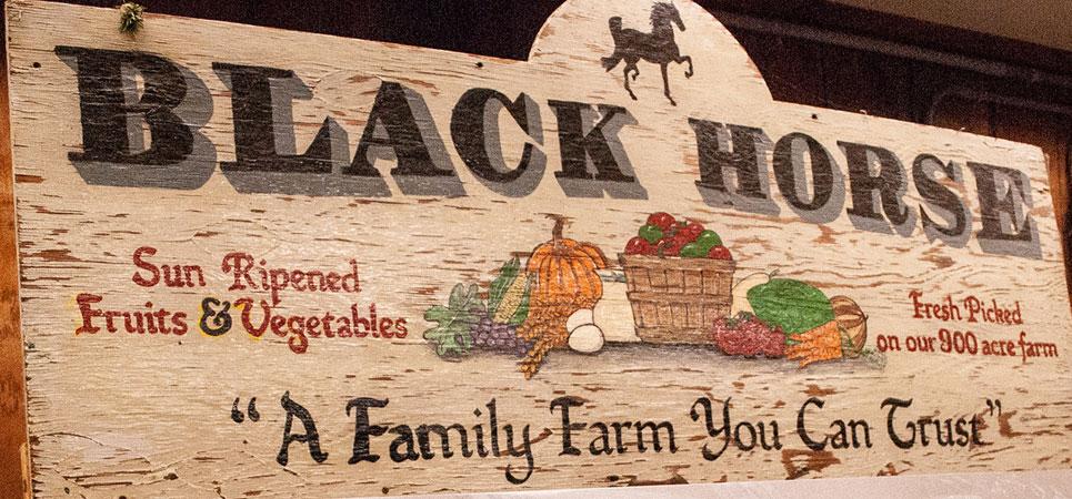 Black-Horse-Sign